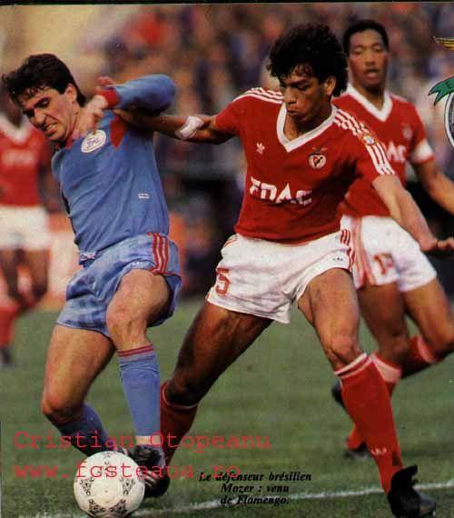 Mozer no Steua - Benfica de 1988 em Bucareste. 1ª mão das 1/2 finais da Champions