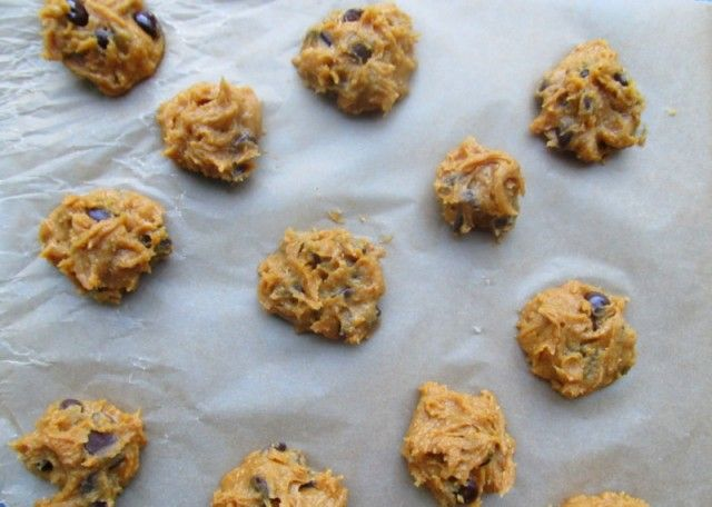 """The """"I Dare You"""" Chickpea-Peanut-Butter-and-Honey-Dark-Chocolate-Chip Cookies - The Hairpin"""