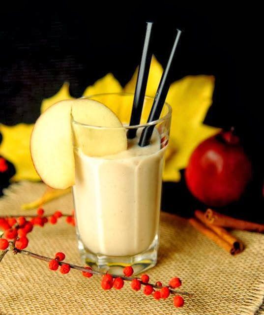 Zielone koktajle: jabłko +imbir + jogurt + cynamon