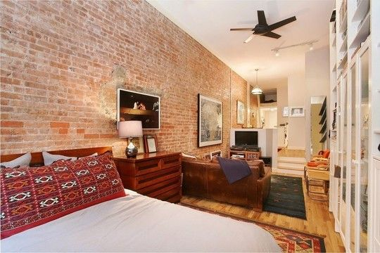 Awesome Studio Loft Apartment. Perfect size, warm decorating.