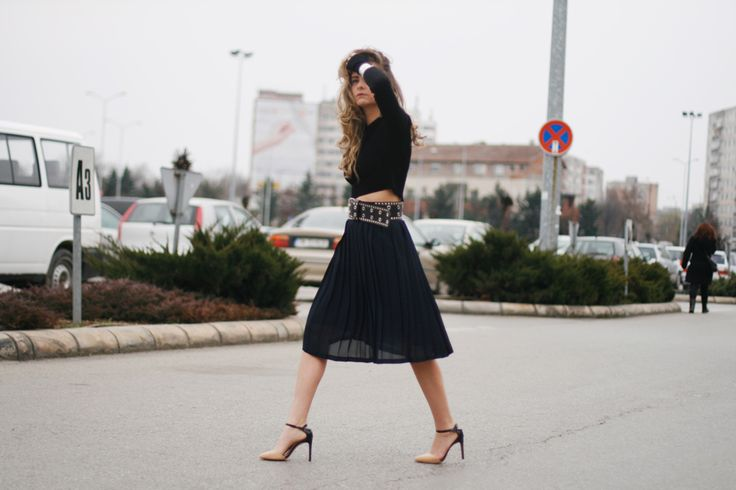 midi skirt, crop top and statement belt www.styleisfresh.com