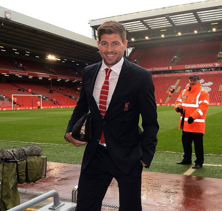 Stevie G arriving at Anfield.