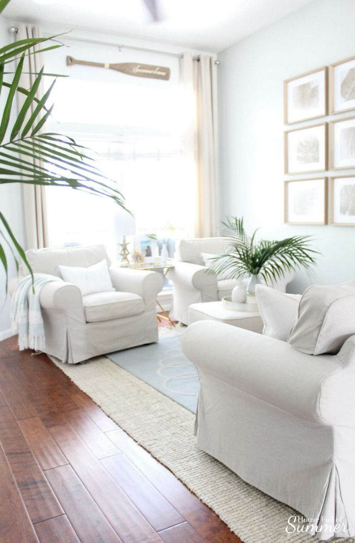 Serene Coastal Chic Living Room Decor House Full Of Summer Coastal Home Lifestyle Coastal Chic Living Room Chic Living Room Decor Coastal Living Rooms