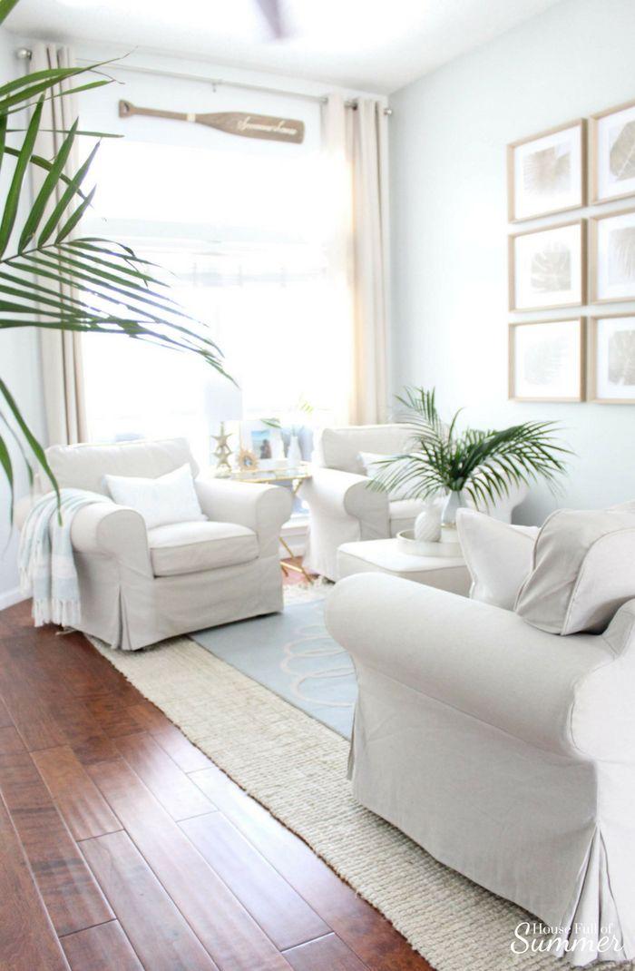 Serene Coastal Chic Living Room Decor With Images Coastal Chic
