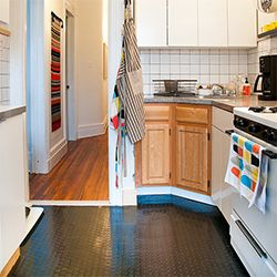 Check Out This Unconventional Solution For This Renter 39 S Old Ugly Tile Floor Via Manhattan