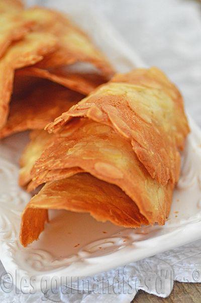 Les gourmandises d'Isa: TUILES AUX AMANDES