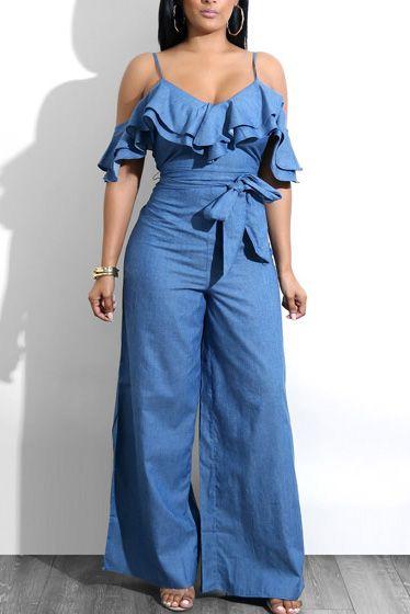 Compre Macacão Pantalona Jeans Ombros Vazados | UFashionShop