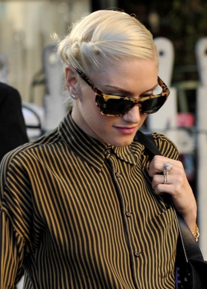 Gwen Stefanis casual, updo hairstyle