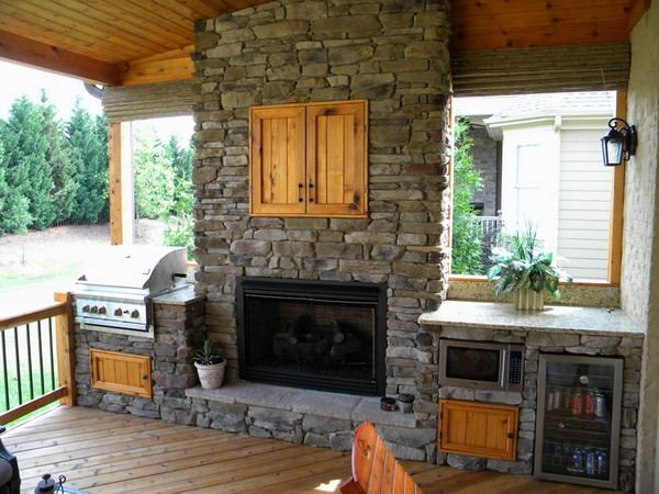 Outdoor Kitchen With Pizza Oven Fireplace