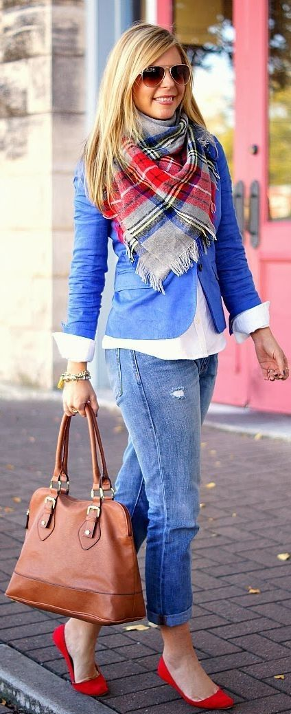 f you want to see yourself more chicest and stylishly fashionable during the cold period of the year then get yourself cool stunning scarves