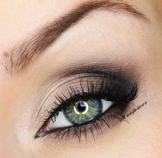Begin by placing Ice Queen to the inner 1/3 of the eye going up slightly past the crease. Use Latte on the next 1/3 of the eye the same as you did the previous shade and follow up with the shade Mocha. Make sure to blend out any harsh lines from the colors. Run Mocha under the eye smudging the color for a smokey look. Use Corrupt to darken up the outer v portion of the eye