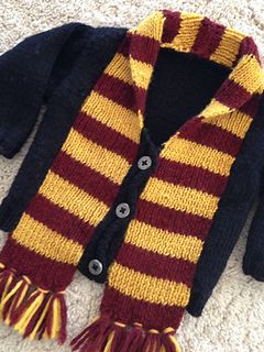 Knitting pattern for a Harry Potter baby sweater! Scarf is built right into the design! TOO CUTE.