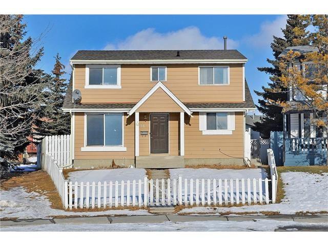 36 FALTON Court NE in Calgary: Falconridge House for sale : MLS(r) # C4048400