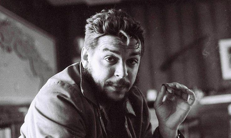 Γράφει ο Νίκος Μόττας // Ο Χοσέ Μαρτί, ο εθνικός ήρωας της Κούβας, έλεγε πως υπάρχουν άνθρωποι χωρίς αξιοπρέπεια, υπάρχουν όμως και άνθρωποι που στις πλάτες τους σηκώνουν την αξιοπρέπεια όλου του κόσμου. Ένας απ' αυτούς που με τη ζωή και τη δράση του, «ύψωσε το μπόι της ανθρωπότητας» όπως θα γραφε ο Ρίτσος, ήταν…