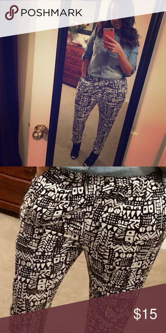 Black and White Tribal Print Pant Tribal print joggers! Comfy, cute and versatile! Worn only once! Pants