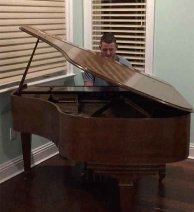 Well, here's Anthony Rizzo playing Coldplay's 'The Scientist' on the piano