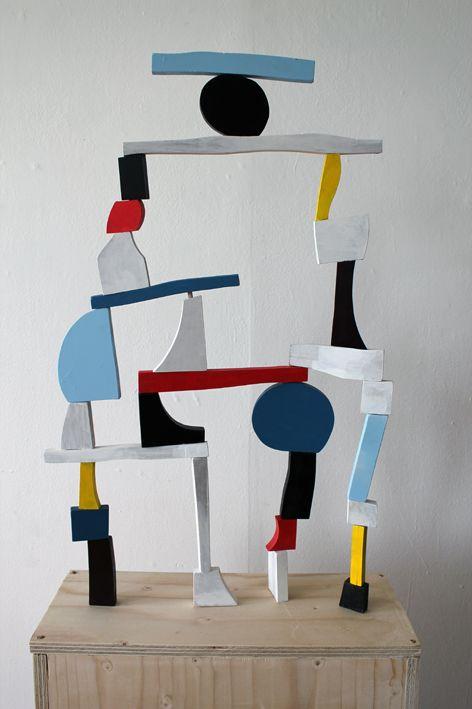 colorvizion: EKTA Point of collapse III / Wood sculpture / 2013 http://ektaektaekta.tumblr.com/