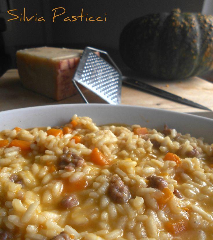 Un risotto dai gusti contrastanti ma armoniosi. #risotto #zucca #salsiccia #piattoautunnale #glutenfree