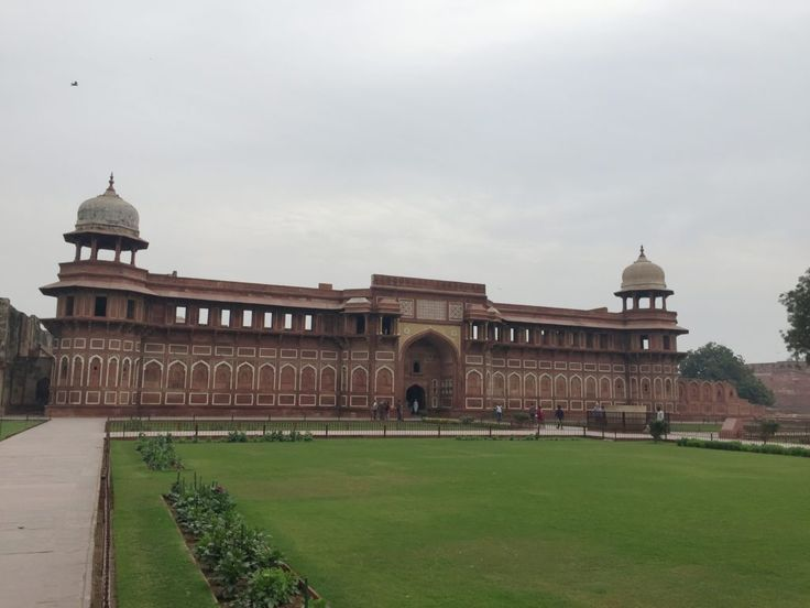 What to do in Agra, India. Agra is one of the most visited cities in India.