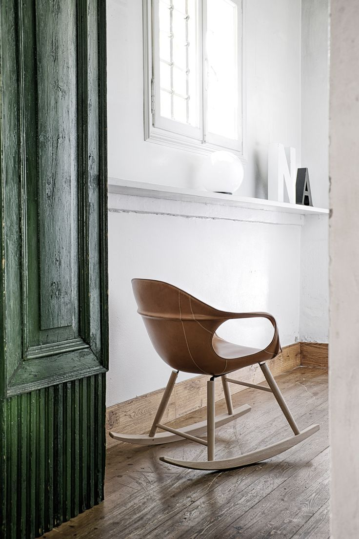 New trend painted chairs with dipped or raw legs jelanie - Find This Pin And More On Interiors_still_life By Alessandroguida