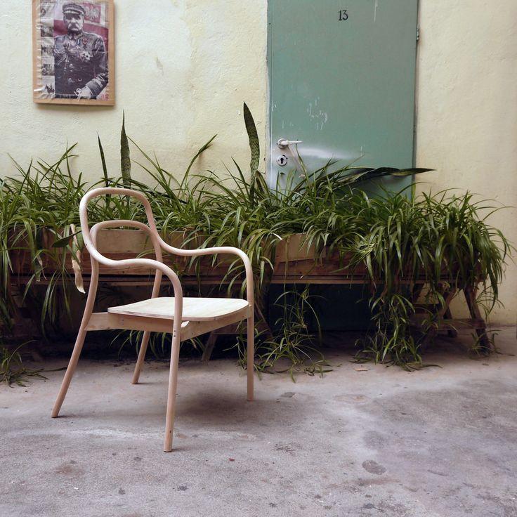 studio projektowe, wzornictwo przemysłowe, projektowanie produktu, projektowanie wrocław, design, projektowanie mebli, projektowanie wyposażenia wnętrz, projektowanie krzeseł, projektowanie foteli, meble z Radomska, Fameg, krzesło gięte, fotel gięty, projektowanie mebli, fotel bukowy, krzesło bukowe