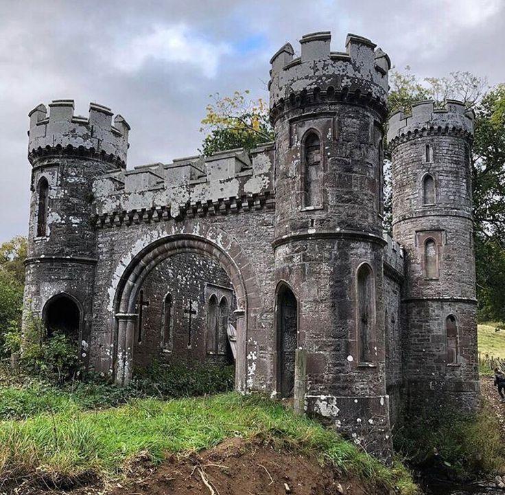 смотреть фото заброшенных замков россии особи