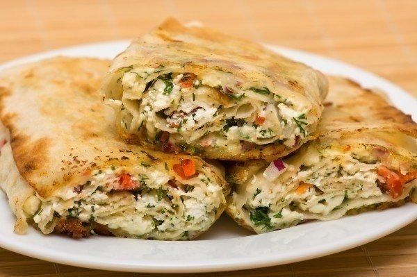 Pita bread with tomato and cheese