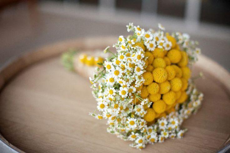 Bouquet originale giallo con mimosa e margherite! Wedding planner Pozzuolo del Friuli (UD) - Magnolia Wedding & Events Planner di Livia de Vita