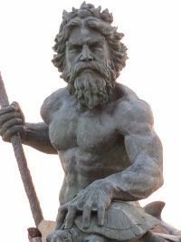 Estátua de Poseidon, o deus dos Mares.