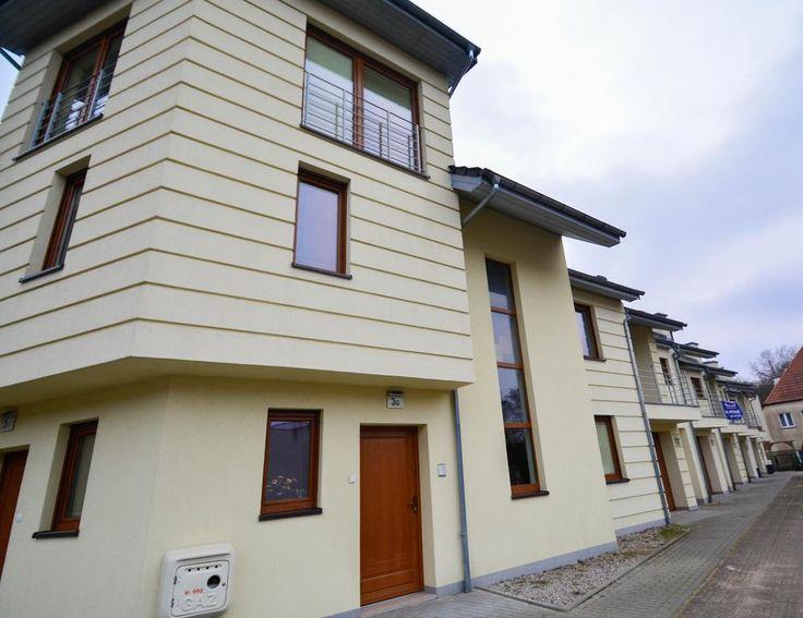 120zł Obiekt Apartamenty na Wyspie – Family Home jest położony w Świnoujściu, 400 metrów od Parku Zdrojowego. Goście mają do dyspozycji taras.