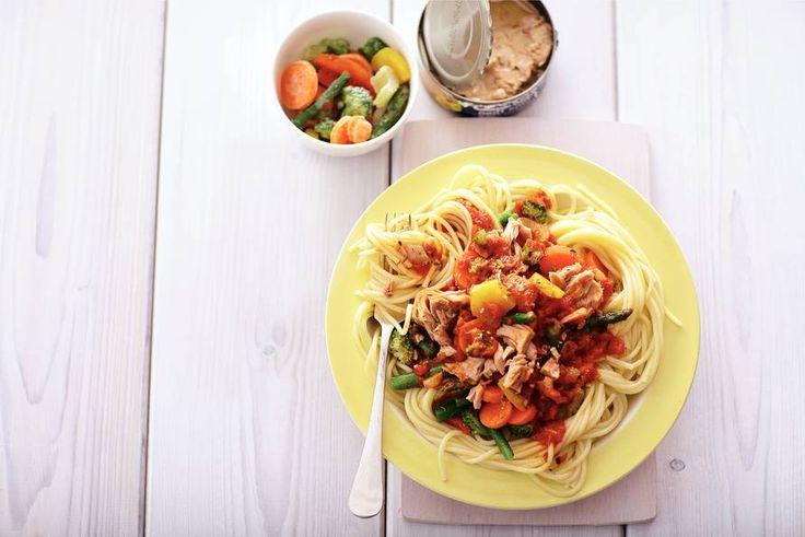 Kijk wat een lekker recept ik heb gevonden op Allerhande! Vissige spaghetti bolognese met tonijn