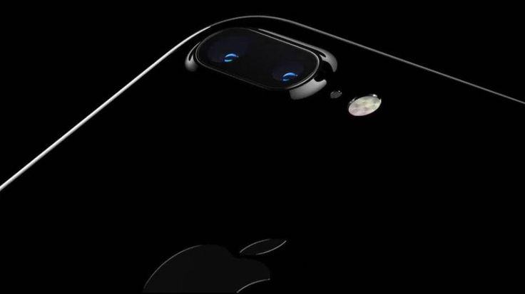 Leaks: New iPhone 8 suggests Apple won't use the design everyone hates iPhone 8 Leaks #iphone8 #appleiphone8 #iphone8plus #apple #iphone #samsung #galaxys8 #galaxys8plus #android #followme