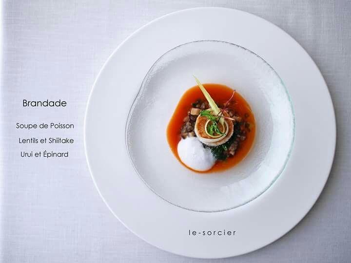 Brandade & Soupe de Poisson Atelierの作業の影響で初心に帰り、久々にブランダード。 山口県産の里芋を加えたアレンジで スパイスを効かせたスープ・ド・ポワソンは たっぷりの山口県の海の幸から♪ レンズ豆と椎茸、ホウレン草 春を感じるウルイを添えて まだまだ寒いですが、冬から春へ 徐々にシフト中