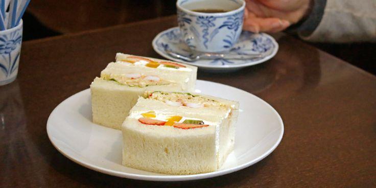 Saera是1975年於札幌開業的三明治專賣店。「水果三明治」和「鱈場蟹三明治」是招牌菜單,從開店時起,前來享用飲食和購買外賣的顧客就絡繹不絕。由於海外遊客很多,所以配備了英語菜單,非常便利。