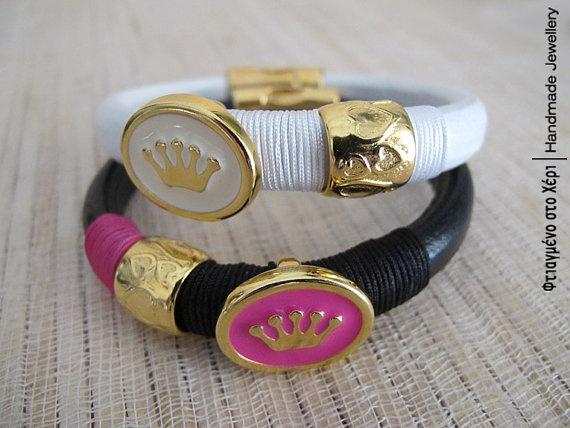 Winter queen leather bracelet by FtiagmenoStoXeri on Etsy, €18.00