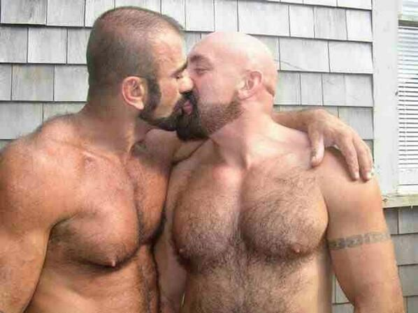 couples Ugly kissing gay