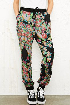 Women's | Clothing | Trousers & Leggings at Urban Outfitters