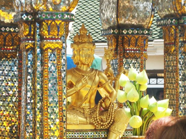 The Phra Phrom statue - four-faced Brahma