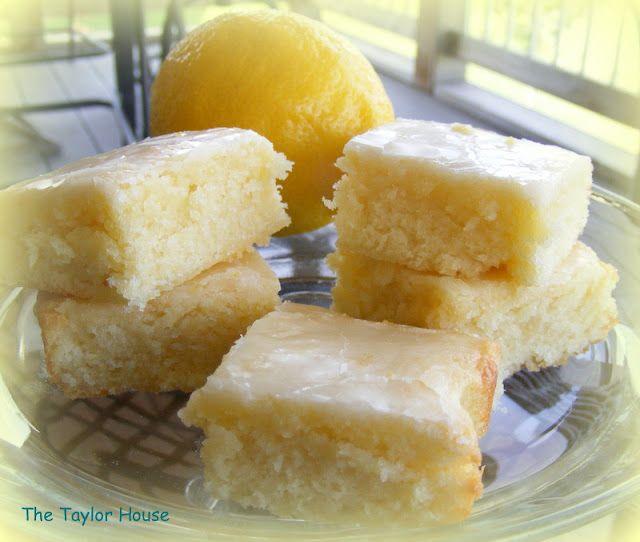 The Taylor House: Lemon Brownies: Lemon Cakes, Delicious Desserts, Lemon Brownies, Desserts Recipes, Poke Cakes, Cakes Bar, Lemon Desserts, Taylors Houses, Lemon Bar