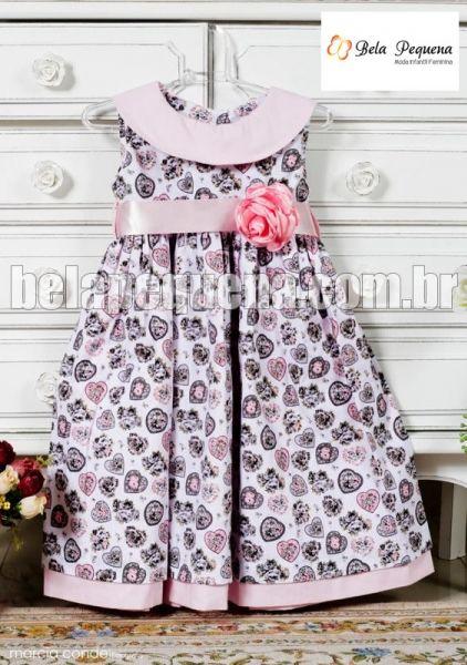 Vestidinho de menina estampado com rosa de tricoline