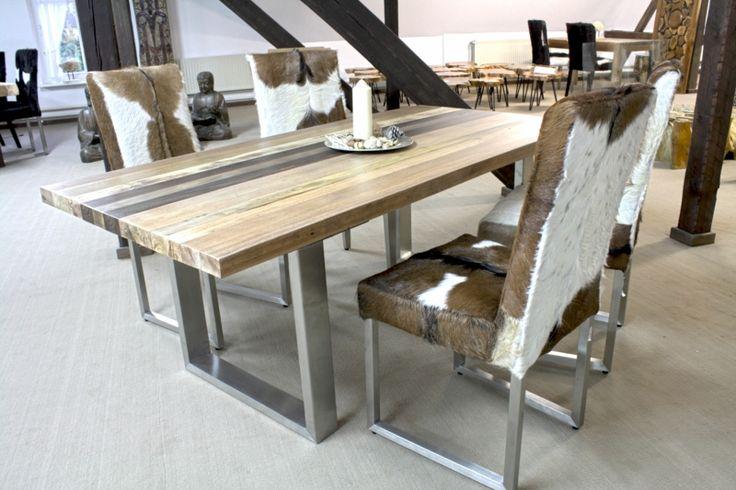 moderner Esstisch aus Massivholz