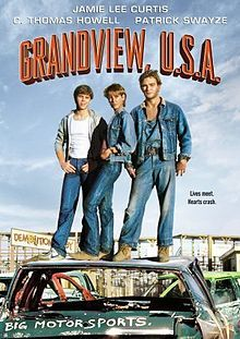 """""""Grandview , USA """" , USA '84 , by Randal kleiser ; with Jamie Lee Curtis (26) , C. Thomas Howell (18) /// Eighteen-year-old """"C. Thomas Howell"""", a soon-to-be graduate of Grandview High School meets """"Jamie Lee Curtis"""" and is attracted to her ; a big love triangle is about to happen, with """"Patrick Swayze"""" (32) /// f>"""