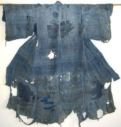 http://blog.srithreads.com/2011/02/a-boro-hemp-edo-komon-kimono-pattern-upon-pattern-patches-and-holes/