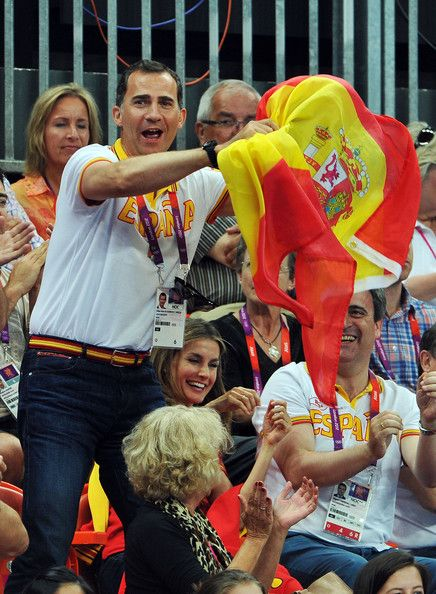 Crown Princess Letizia of Spain Photos Photos - Prince Felipe and Crown Princess Letizia of Spain celebrate during the Women's Handball Bronze medal match between Spain and Korea on Day 15 of the London 2012 Olympics Games at Basketball Arena on August 11, 2012 in London, England. - Olympics - Day 15 - Royals at the Olympics