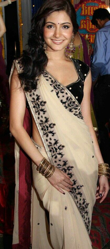 Nice saree... Anushka Sharma