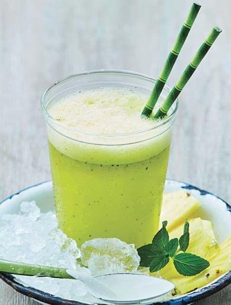 Las bebidas alcohólicas preparadas con frutas nos ayudan a evitar la resaca. Prepara una bebida refrescante y deliciosa, perfecta para una noche divertida.