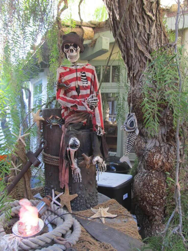 105 best Holiday fun images on Pinterest Halloween decorations - halloween pirate decorations
