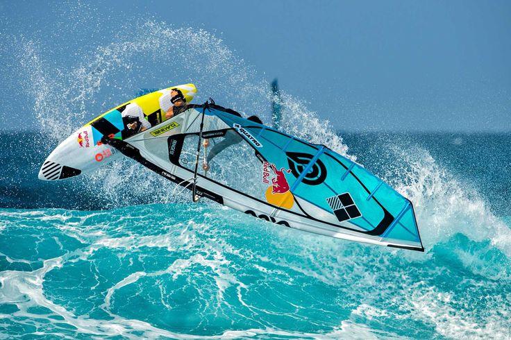 Planche à voile de vagues / quad fin Cube Quatro International