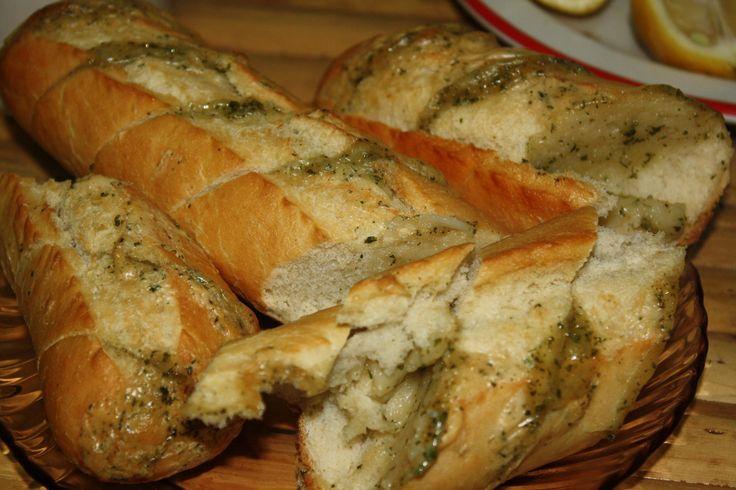 Bagheta cu unt si usturoi: Glorious Food, Bagheta Cu, Food Glorious, Si Usturoi, Retet Culinar, Reteta Bagheta, Recipe Posted, Categoria Piine, Cu Unt