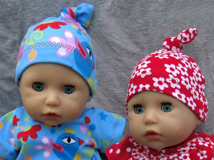 Lust auf Puppenmützen?       Dann ladet euch hier den Schnitt  zur puppenkleinen Klimperklein'schen Mütze  runter.   Meine zwei Puppenmützen...